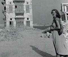 1950, durante le prime settimane della spedizione la squadra fa base a Suakin, la città fantasma.