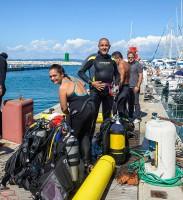 Concorrenti si preparano all'immersione