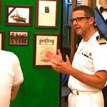 Il vicecomandante della Guardia Costiera di Siracusa Ernesto Cataldi illustra i vari punti della mostra allestita presso i locali della Capitaneria di Porto