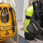 Il GAV anulare a sinistra e il jacket a destra rappresentano 2 ere diverse dell'immersione sportiva autonoma. Ma già prima dell'anulare ce n'era stata un'altra... quella dei bibo a spallacci con busta di nylon a mano!