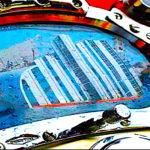 1-APERTURA GRANDE-Un elmo Kirby Morgan, emblema del moderno palombaro - Ph by Dario Viccari e Associazione Nazionale Memoriale della Concordia-speculare